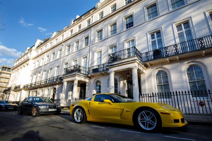 De wijk Belgravia in Londen. Bulloughs organiseert in Londen tochten langs de woningen van de superrijken.