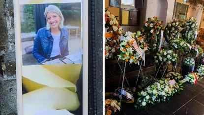 HLN LIVE. Familie, vrienden en collega's geven laatste groet aan Ilse Uyttersprot tijdens afscheidsplechtigheid