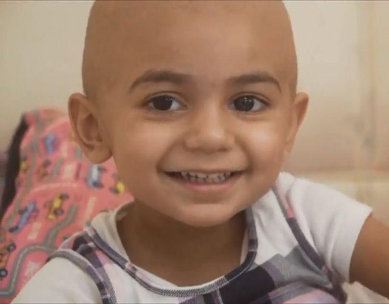 De 2-jarige Zainab lijdt aan neuroblastoom.