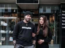 Hoe het coronavirus Asli en Jivara dwars zit: tattooshop op slot, getrouwd én twee keer een definitief afscheid