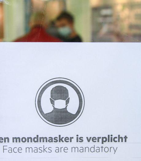 500 gratis wasbare mondkapjes voor voedselbank Vroomshoop: 'Mensen komen hier zonder mondkapje'