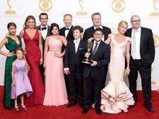 Cast Modern Family aan onderhandeltafel