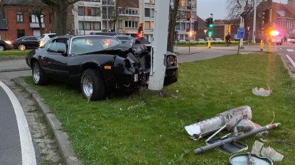 Zonde... deze oldtimer Chevrolet valt wellicht niet meer te redden