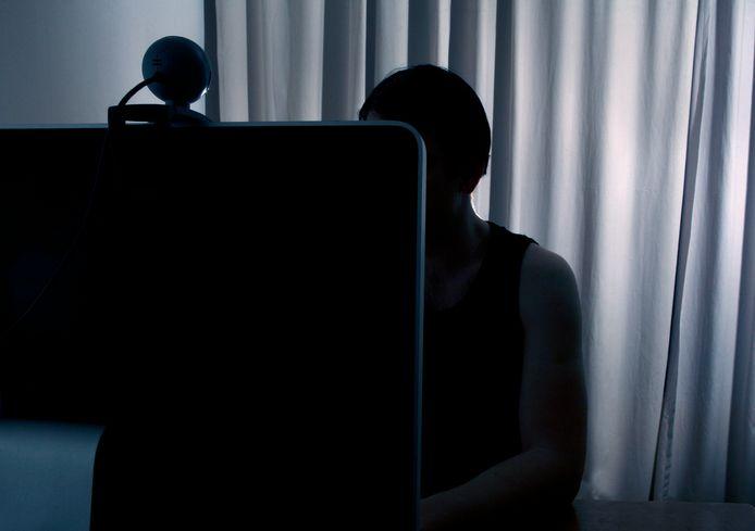 Op de computer van de man werden 5.500 bestanden met kinderporno teruggevonden. (illustratiebeeld)