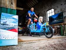 Arjan (57) begonnen aan zijn Alpe d'Huez-beklimming in twee uur
