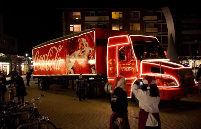 De Coca Cola-truck, hier op de Molenvlietbrink in Woerden.