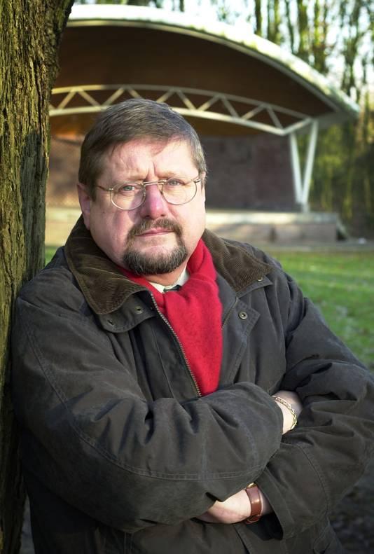 Bert Kuiper, gefotografeerd bij de muziekkoepel in het Beeklustpark.