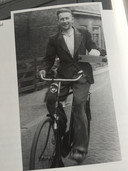 Teunis van der Grijn, oprichter van het familiebedrijf, op de fiets in Groot-Ammers in 1952.
