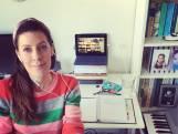 Zangdocent Iris (45) geeft online les: 'Kreeg van een leerling te horen dat ik het hoogtepunt ben van zijn week'