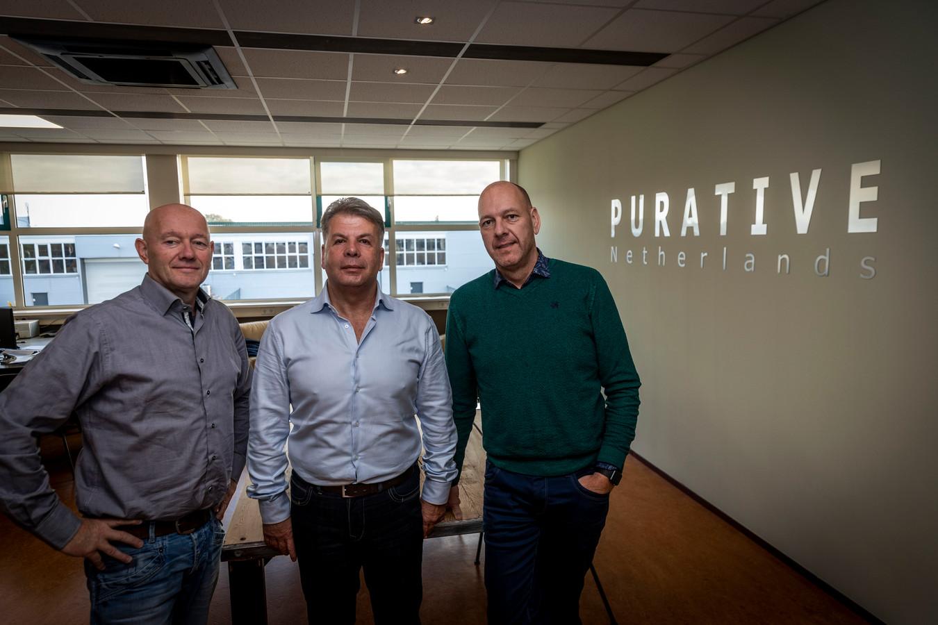 Stef van Gorp, Jim Pura en Gert-Jan Roefs (vlnr), de drie initiatiefnemers van de ontwikkeling van een nieuw concept mestvergister.