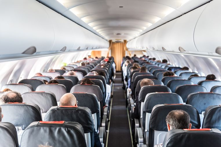 Een paar jaar geleden kon je op de meeste vluchten nog gratis een stoel kiezen. Maar tegenwoordig betaal je bij bijna elke maatschappij voor je plaats. Met deze tips pik je er de beste stoel uit en kom je te weten hoe je te veel betalen vermijdt.