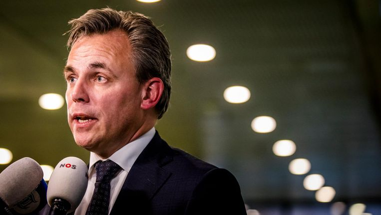 Staatssecretaris Mark Harbers van Justitie en Veiligheid (VVD) na afloop van het debat over een versoepeling van het kinderpardon. Beeld anp