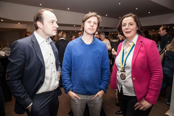 Regisseur Felix Van Groeningen (midden) heeft in Kinepolis zijn nieuwe film Belgica voorgesteld aan serviceclub Rotary Portus Ganda, in een exclusieve avant-première.