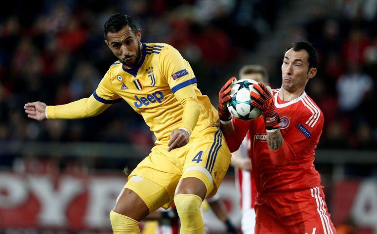 Proto met Olympiakos in actie in de Champions League tegen Juventus.