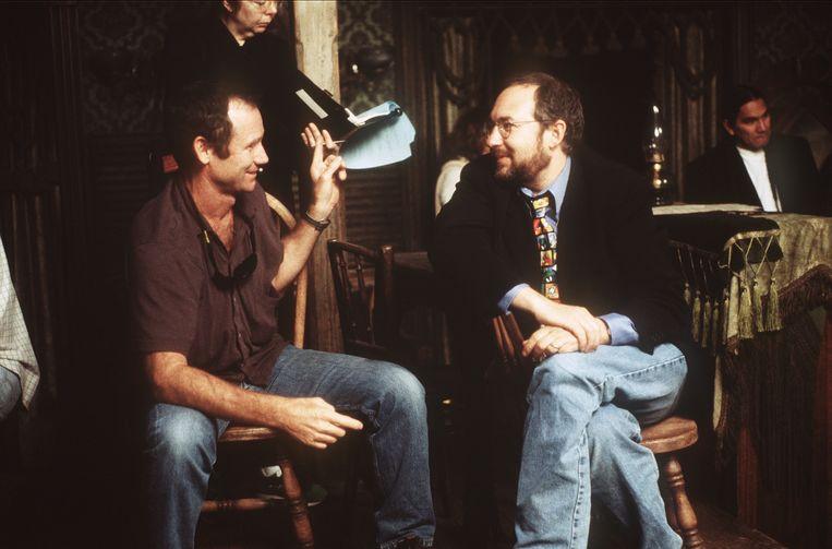 Barry Sonnenfeld (rechts) op de set van de film Wild Wild West in 1998. Beeld Getty