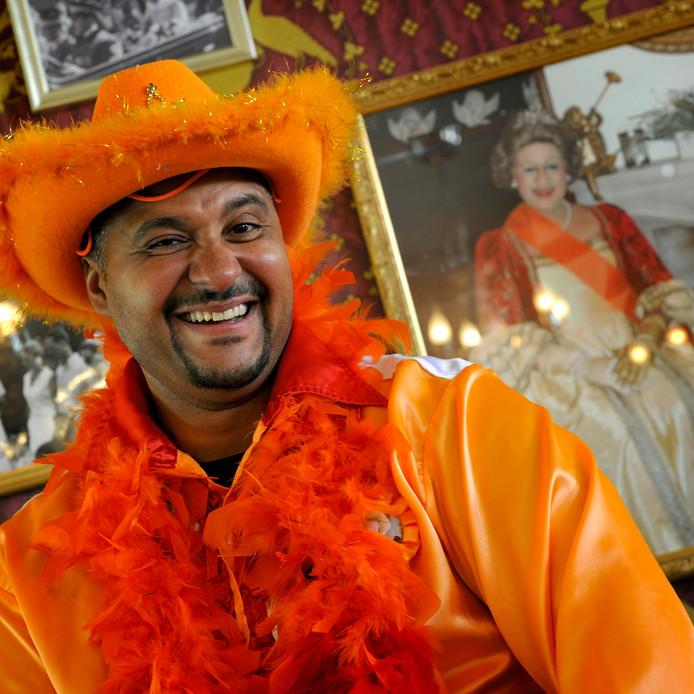 Kroegbaas Haroun Hijman van De Drie Weesgegroetjes houdt wel van een feestje. Zijn café mag nog dromen van de Publieksprijs van Misset Horeca.