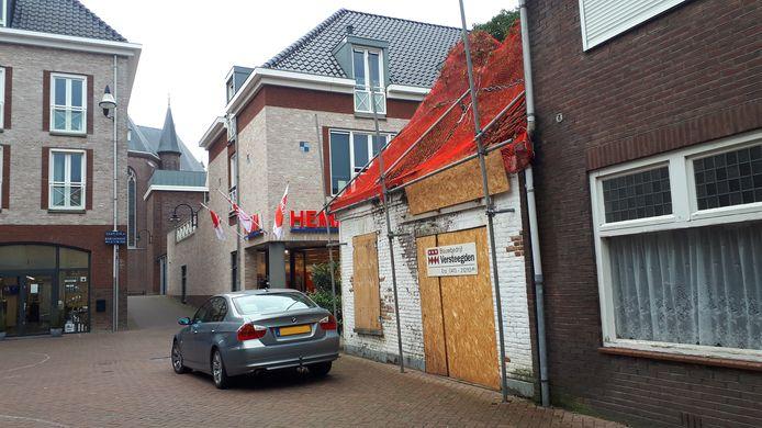 De staat van de voormalige kunstenaarswoning aan de Kerkstraat is inwoners van Sint-Oedenrode al jaren een doorn in het oog.