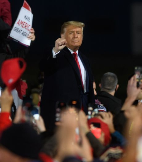 Trump loopt weg uit interview, dreigt met vroegtijdig publiceren