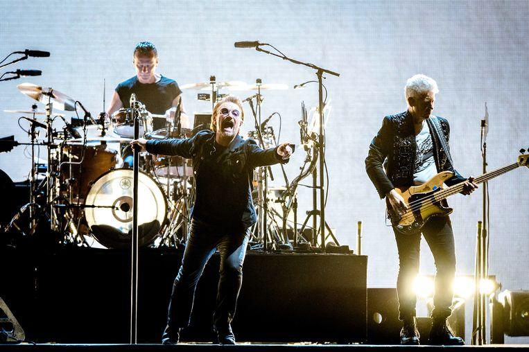 U2 tijdens in de Amsterdam ArenA voor de 'The Joshua Tree Tour 2017'.  Beeld ANP