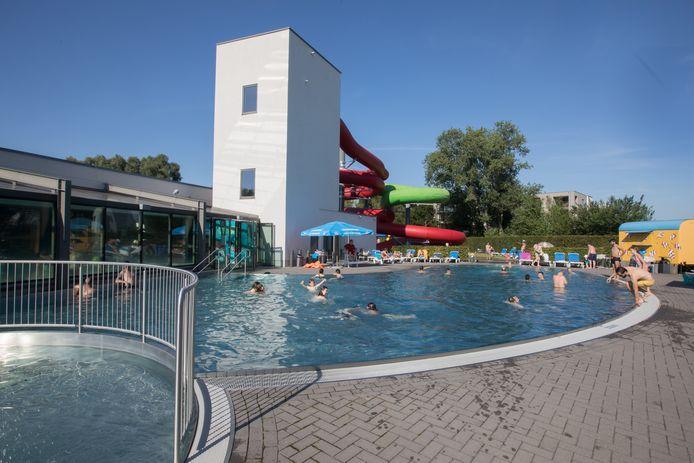Buitenzwembad Lago Pelt Dommelslag.