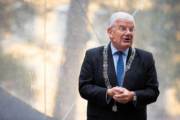 DEN HAAG - Op het Lange Voorhout wordt met de nodige aanpassingen vanwege de coronamaatregelen het Prinsjesdagontbijt gehouden. Op de foto burgemeester Jan van Zanen.