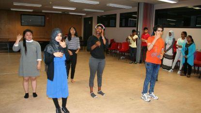 Anderstalige leerlingen tonen wie ze zijn in toneelstuk