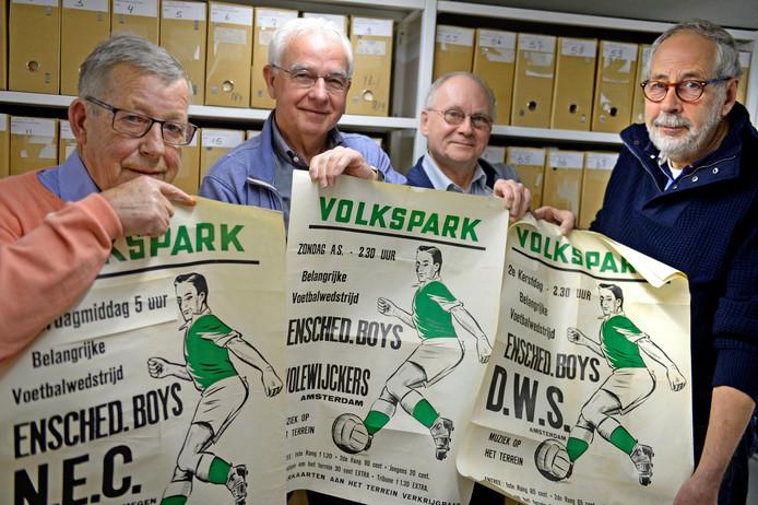 Het team dat zich bezig houdt met het archief van de Boys. Vlnr.: Bram Nijenhuis, Daan van Golberdinge, Frank Wesemann en Kees Stout.