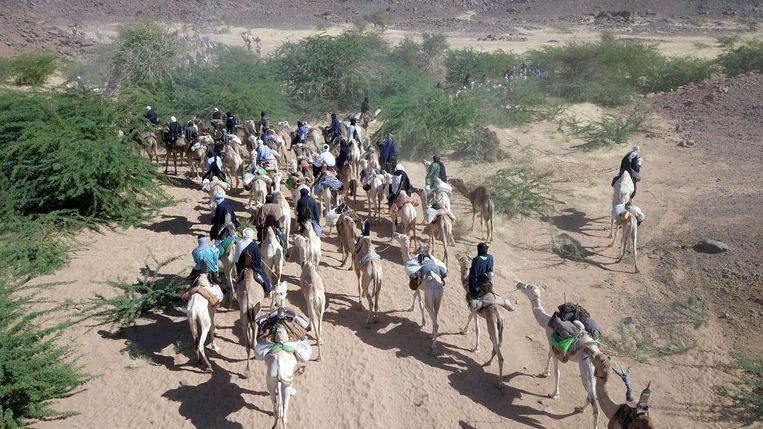 Toearegs op weg naar Iferouane in Niger. Beeld AFP
