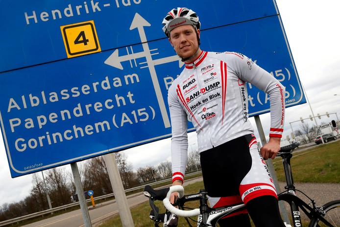 Eddy Gödde (tegenwoordig rijdend voor ZRTC Theo Middelkamp) won zaterdagavond de Ronde van Burgh-Haamstede.