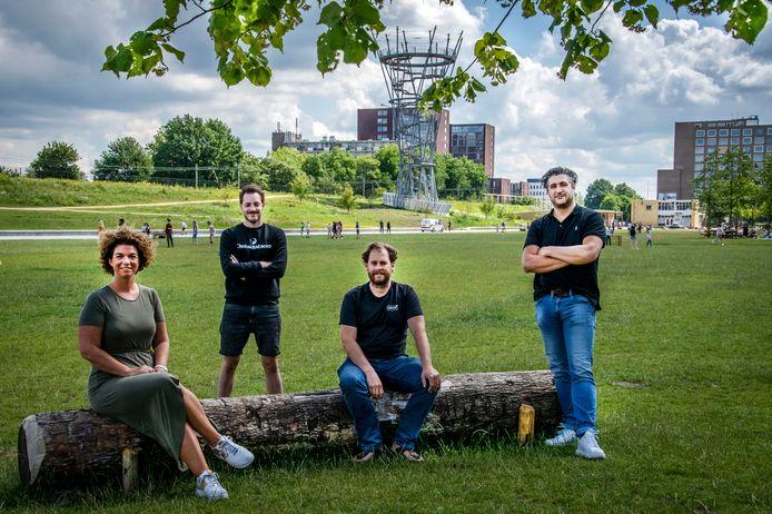 De festivalorganisatoren in het Spoorpark: vlnr. Sophie Peters, Ivo de Groot, Dirk de Leeuw en Joop Soree.