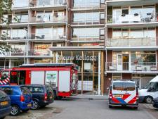 Alarm vanwege rook uit woning: vrouw onwel geworden tijdens het koken en overleden
