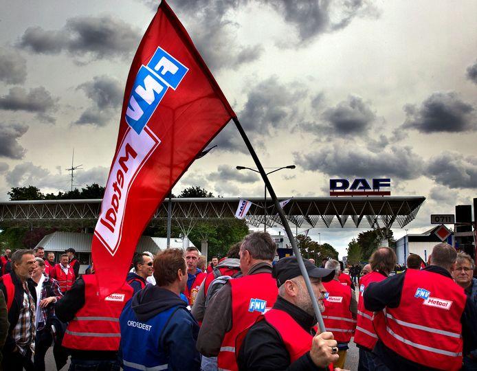 Beeld van een eerdere staking bij DAF Trucks in Eindhoven.