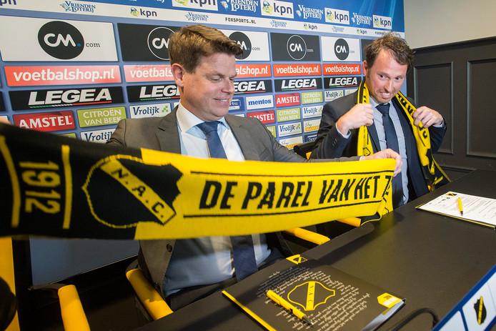 Luuc Eisenga met rechts van hem Tom Van Den Abbeele.
