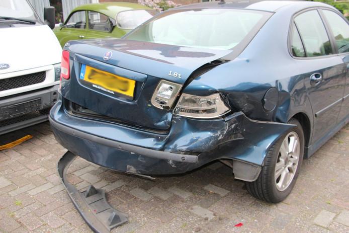 De geparkeerde auto moet als total-loss worden beschouwd.