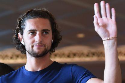 """""""Hij wil niets van zijn jaarsalaris van 8 miljoen inleveren"""": Rabiot nog steeds niet terug in Turijn"""