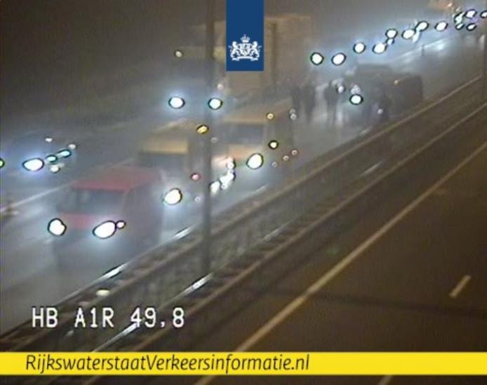 Ongeluk vanochtend op de A1 in de buurt van Barneveld, tussen Apeldoorn en Amersfoort..