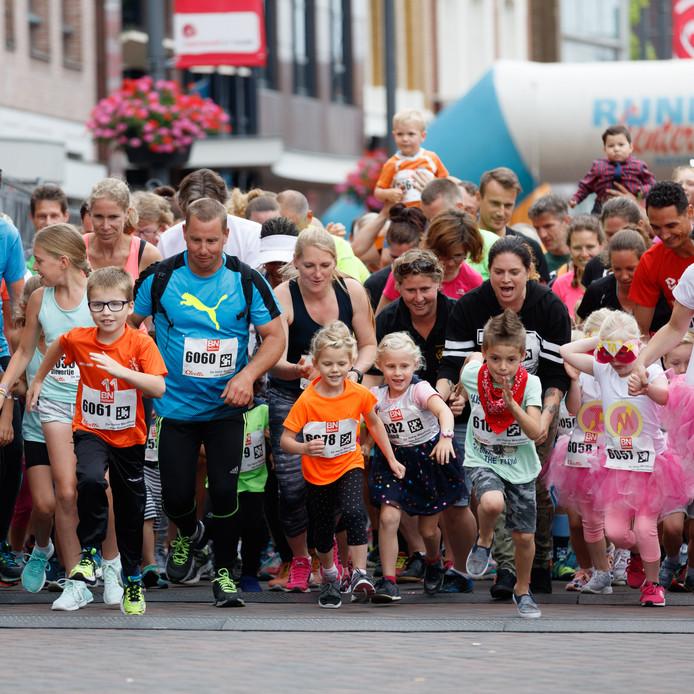 Start van de BN DeStem familieloop in 2017. Archieffoto: Marcel Otterspeer