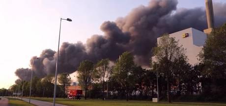 Brand Westelijk Havengebied nog steeds niet helemaal uit
