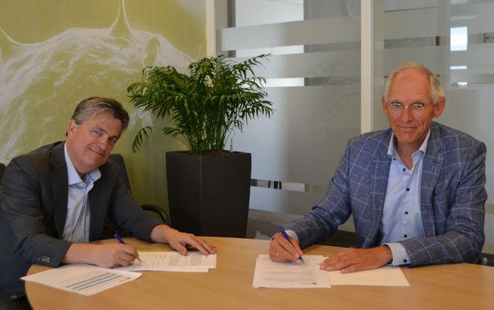 De overeenkomst werd getekend door Hendrik-Jan van Arenthals (voorzitter College van Bestuur Scalda) en René Smit (voorzitter Raad van Bestuur ZorgSaam)