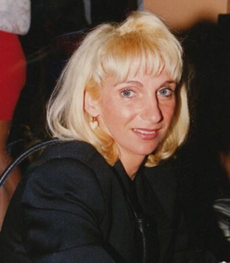 Sonja Holleeder getuigt vandaag, onzichtbaar voor Willem, tegen haar broer