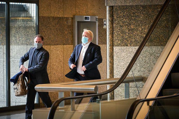RIVM-directeur Jaap van Dissel met mondkapje.