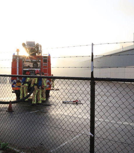 Brand in transportband potgrondbedrijf Legro in Helmond