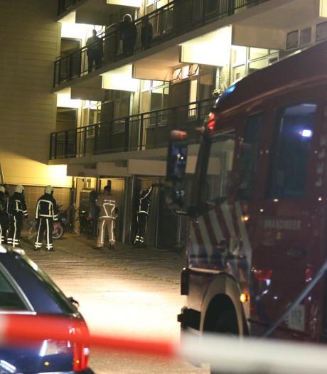 Sterke lucht geroken bij complex in Almelo: buurtbewoners moesten tijdelijk binnen blijven