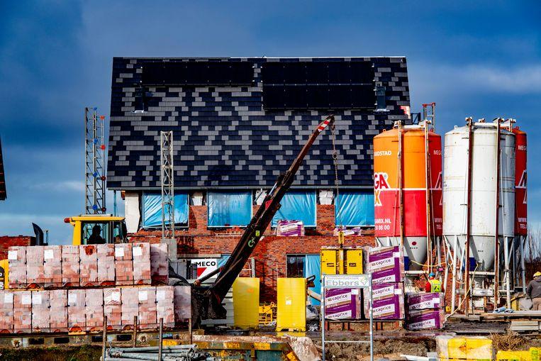 Een nieuwbouwwoning in aanbouw. Beeld Hollandse Hoogte / Robin Utrecht