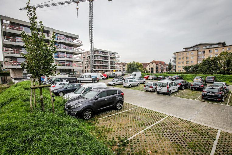 Het stadsbestuur verwijst langparkeerders naar de randparking, maar daar moet dan wel genoeg plaats zijn.
