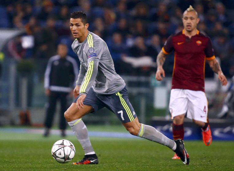 Nainggolan met AS Roma tegen Ronaldo en Real Madrid.