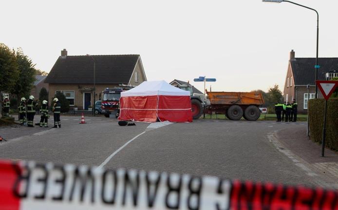 Het ongeluk gebeurde op de kruising van het Eind en de Belversestraat in Haaren.