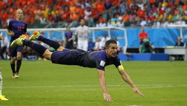 Het doelpunt van Van Persie in de groepswedstrijd tegen Spanje. Beeld anp