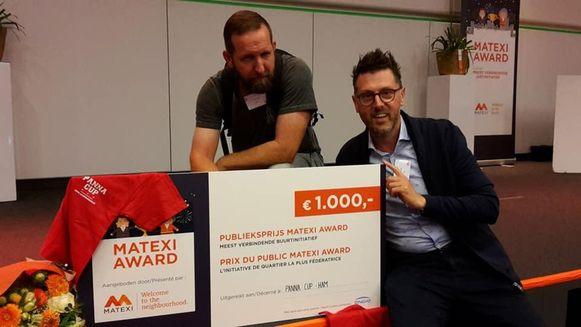 De Matexi Award wordt in ontvangst genomen met rechts schepen Nico Engelen