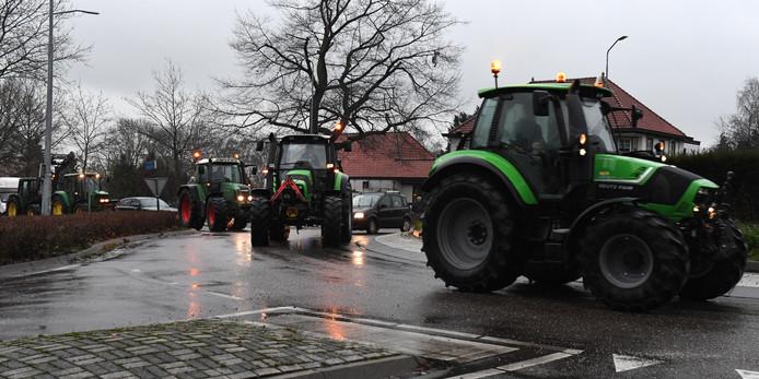 Boeren van het Farmers Defence Force hebben opgeroepen tot een nieuwe trektocht naar het provinciehuis in Den Bosch. In Sint Hubert verzamelden zich zo'n 30 trekkers.